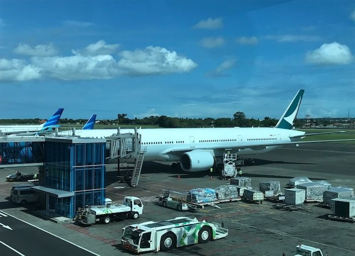 Cathay-Pacific-777-Business-Class - 1