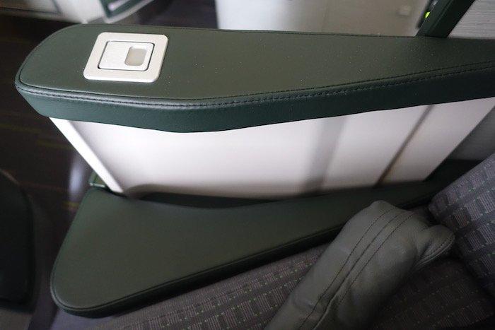 EVA-Air-Business-Class-777 - 13
