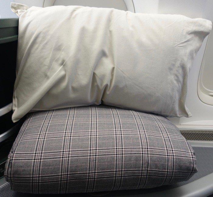 EVA-Air-Business-Class-777 - 14