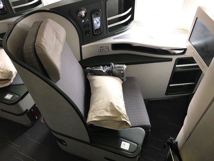 EVA-Air-Business-Class-777 - 5