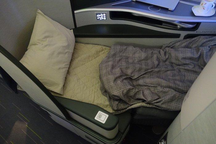 EVA-Air-Business-Class-777 - 72