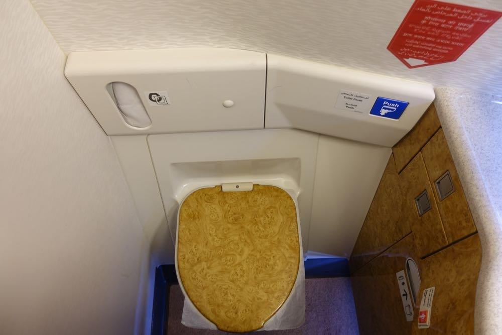 Emirates-777-first-class-13