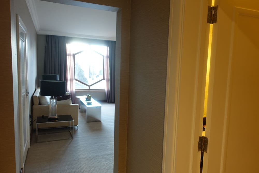 Grand-Hyatt-Amman-Suite-03