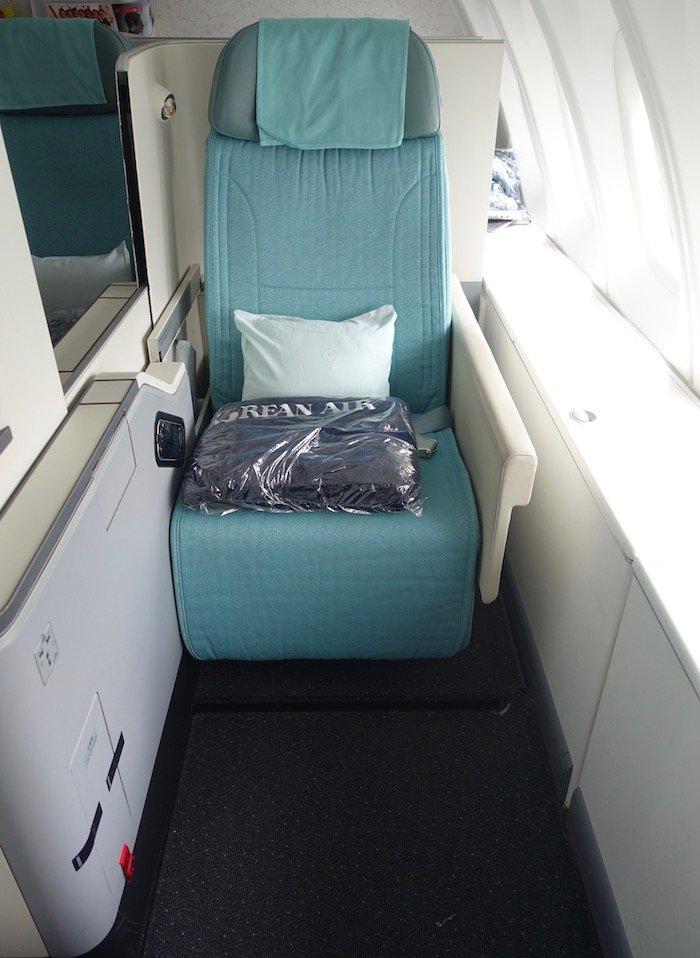 Korean-Air-Business-Class-747-8 - 11