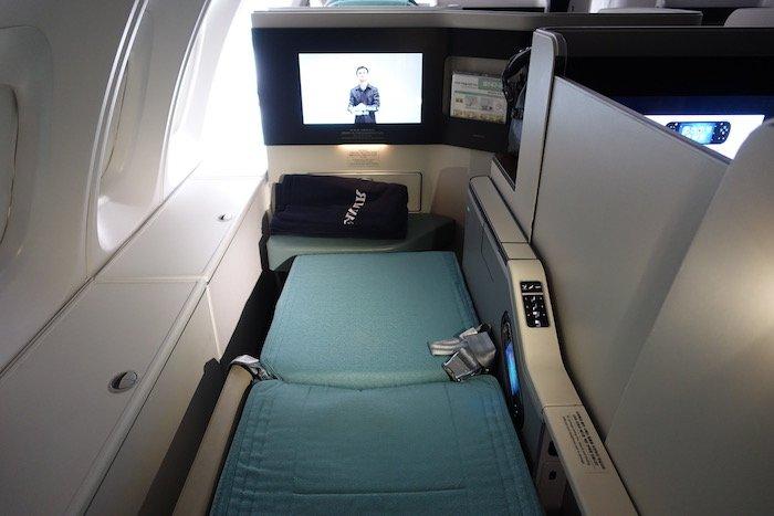 Korean-Air-Business-Class-747-8 - 72