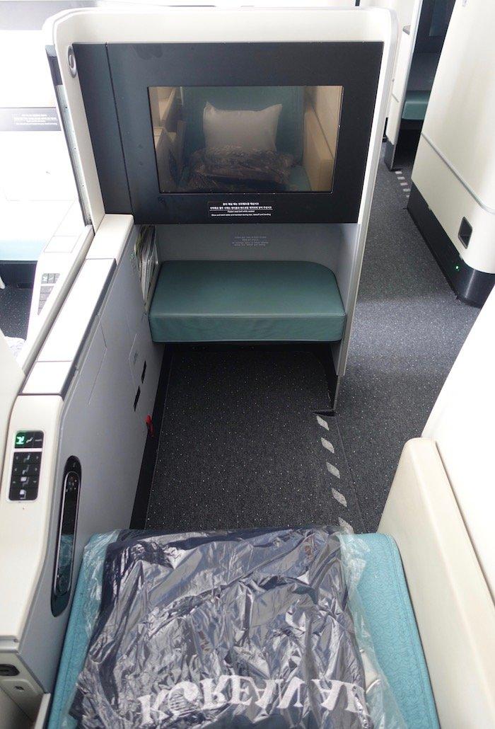 Korean-Air-Business-Class-747-8 - 8