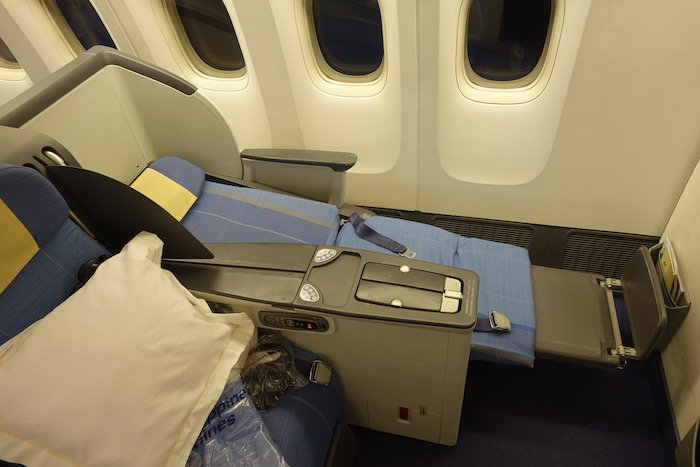 Philippine-Airlines-Business-Class-777 - 46