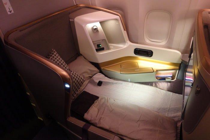 Singapore-777-Business-Class - 50