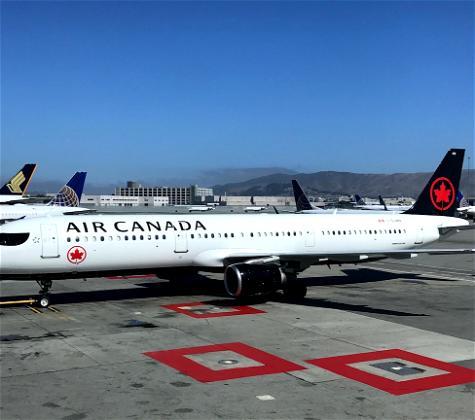 Wow: Passenger Wakes Up On Empty, Dark Air Canada Plane