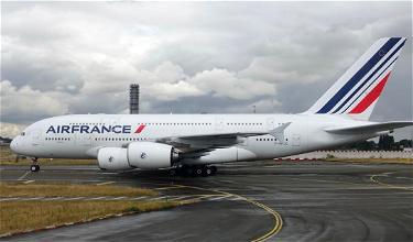 Hilarity Ensues As Man Takes Off Pants On Air France Flight
