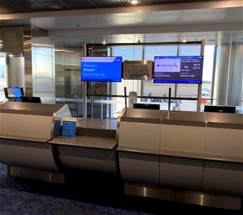 Ugh: American Airlines' Single Gate Agent Boarding