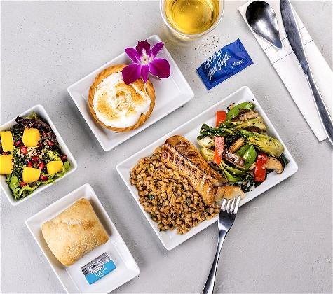 Alaska Airlines Restores Inflight Service, First Class Meals