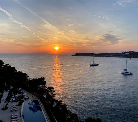 Four Seasons Athens Astir Palace Perks & Deals (2021)