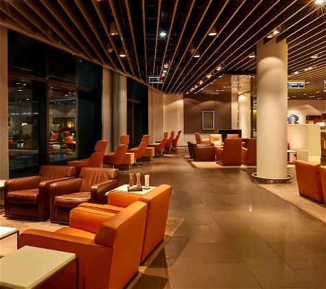 Lufthansa Selling First Class Lounge Access