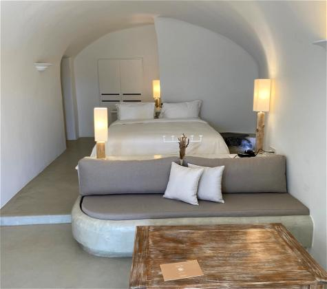 Our Unexpected Stay At Mystique Santorini #Bonvoyed